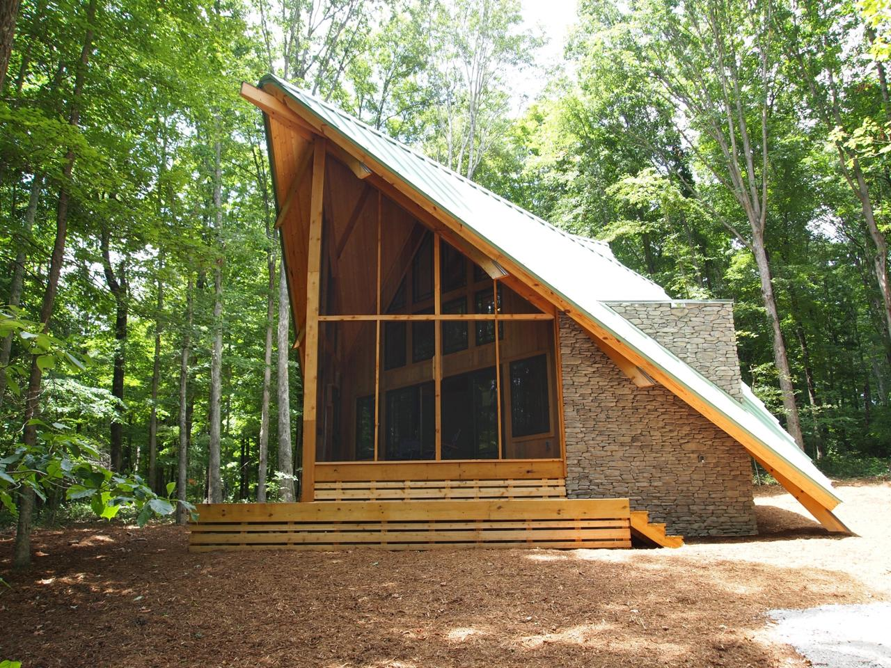 Sharp cabin ryan thewes nashville modern architect for Mountain architects